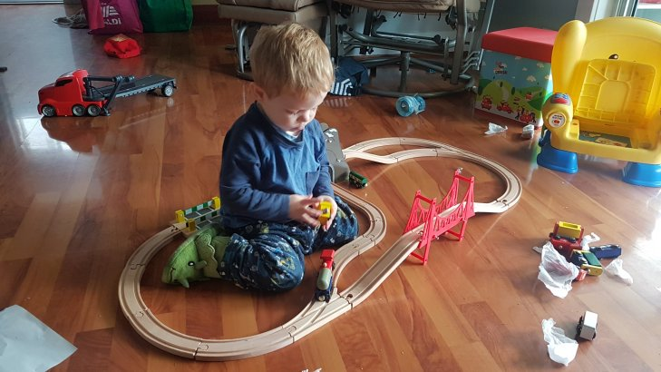 toddler wooden trainset